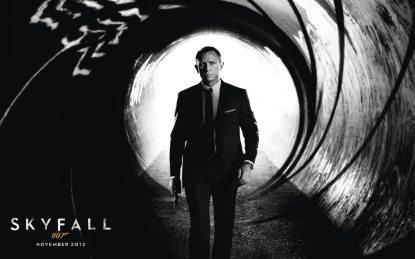 Affiche du film Skyfall, montrant Daniel Craig en James Bond